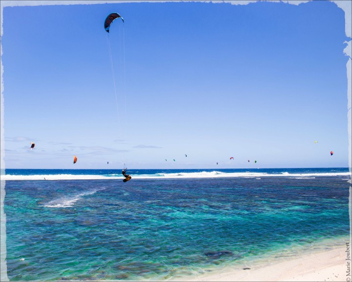 Kitesurfeurs à Saint-Pierre ©Marie Joubert